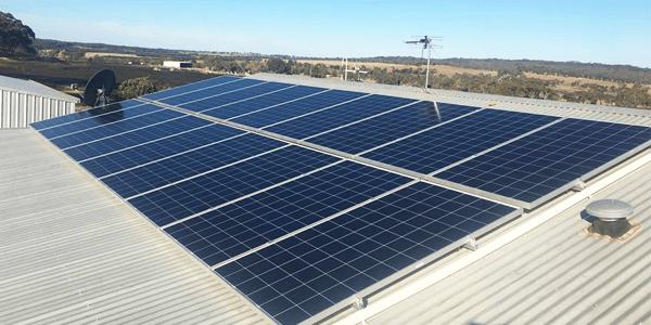Te explicamos cómo hacer la instalación solar y los componentes recomendados