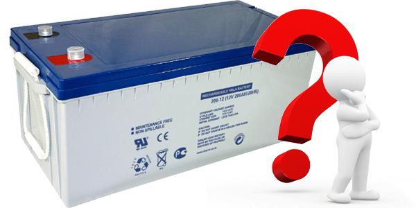 Que significan los valores C10 y C100 de una batería solar?