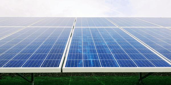 Cómo limpiar paneles solares