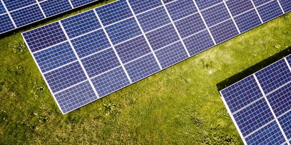 Paneles solares vs energía eléctrica