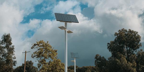 ¿Qué son las farolas solares?