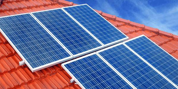 Instalar placas solares en casas de campo y fincas