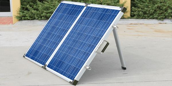 Novos painéis solares dobráveis e portáteis. Formato mala.