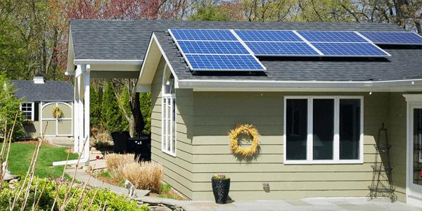 Instale energia solar para dispor de electricidade grátis na sua casa de verão